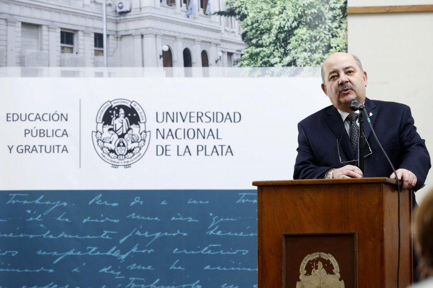 """La UBA eligió a Tauber por su """"destacada trayectoria académica y de gestión y sus aportes en defensa de la educación pública"""""""