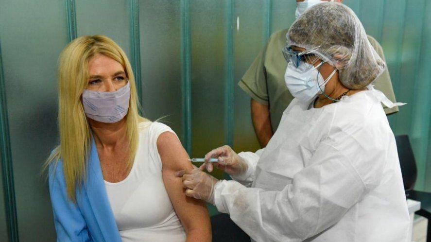 Magario destacó la ley que permite que la Provincia compre vacunas contra el coronavirus