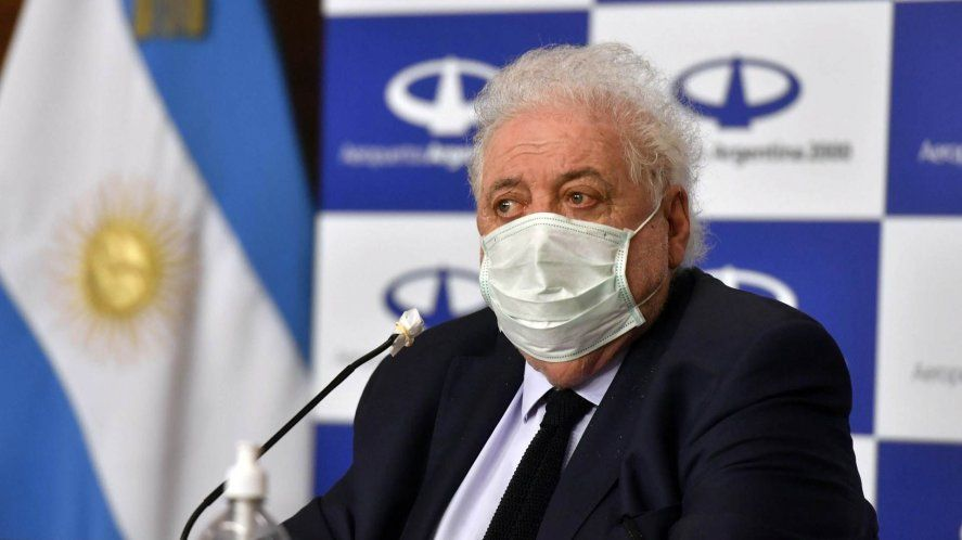 Vacunación VIP: el ex ministro González García fue imputado por la Justicia