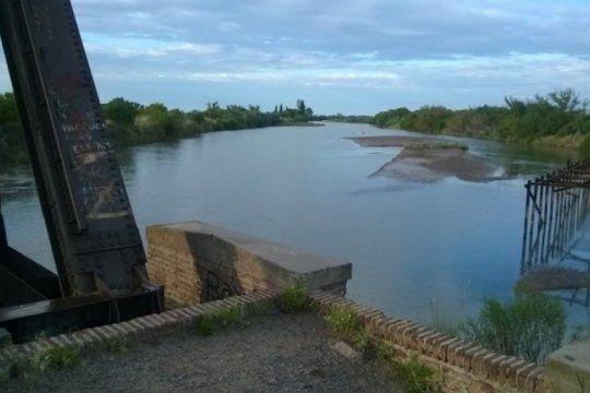 buscan surcar la provincia con dos ?megaacueductos? para llevar agua potable a bahia y a junin