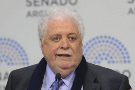 gines gonzalez garcia: no me voy a bancar que un argentino se quede sin atencion?