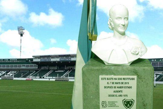 sarmiento de junin celebra un ano de la vuelta del busto de eva peron a su estadio
