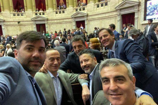 con el apoyo de los intendentes, massa asumio la presidencia de la camara de diputados