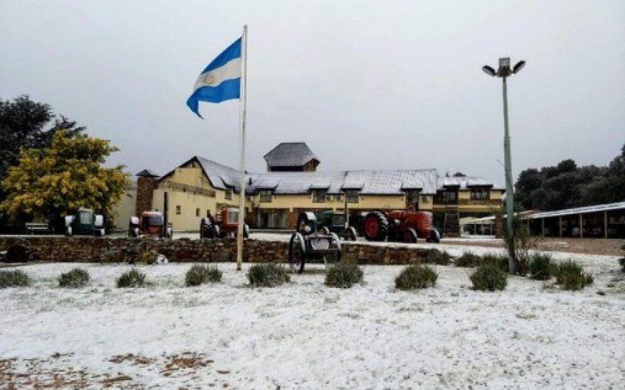 Nevó en la provincia: la ola polar trajo nevadas en Tandil y Sierra de la Ventana
