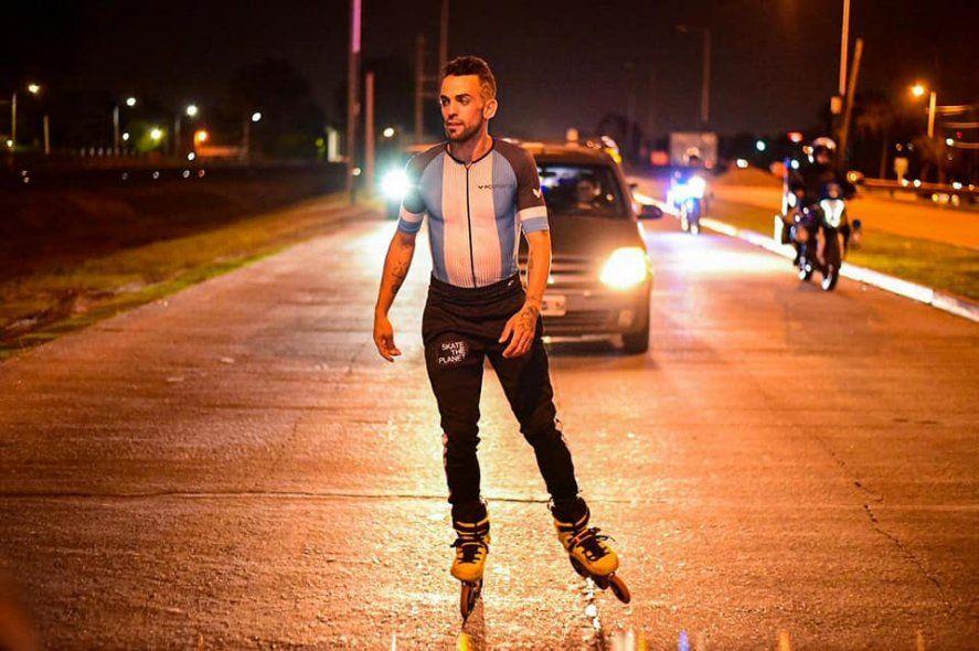 El patinador extremo de Merlo que recorrerá en rollers más de 10 mil kilómetros para volver a ver a su hija