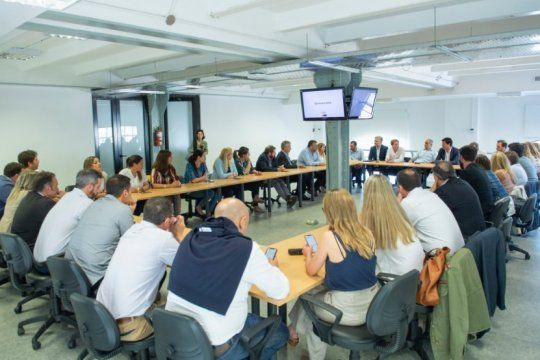 legisladores y candidatos de vidal se reunieron para delinear estrategias de campana