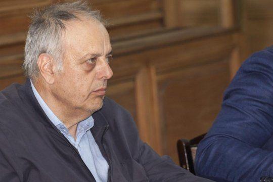 El intendente de General Lavalle, José Rodríguez Ponte, debió ser internado de urgencia tras descompensarse este mediodía en su domicilio.