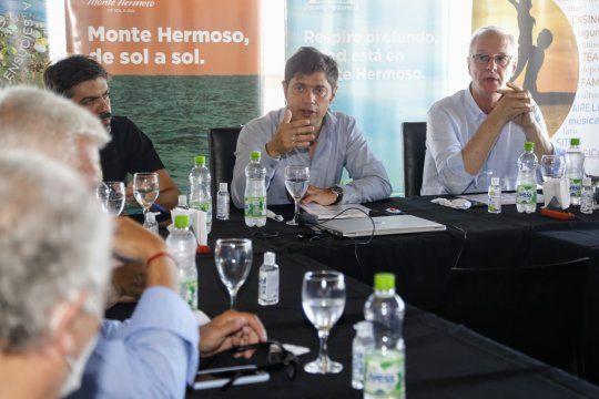 Kicillof brindó la conferencia de prensa desde Monte Hermoso.