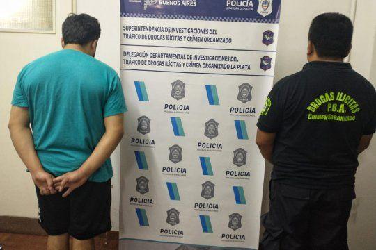 El presunto dealer cayó cuando caminaba por Alberti y Sidotti