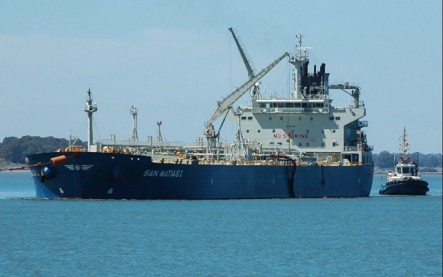 El buque varado. Foto gentileza de Histarmar.com.ar