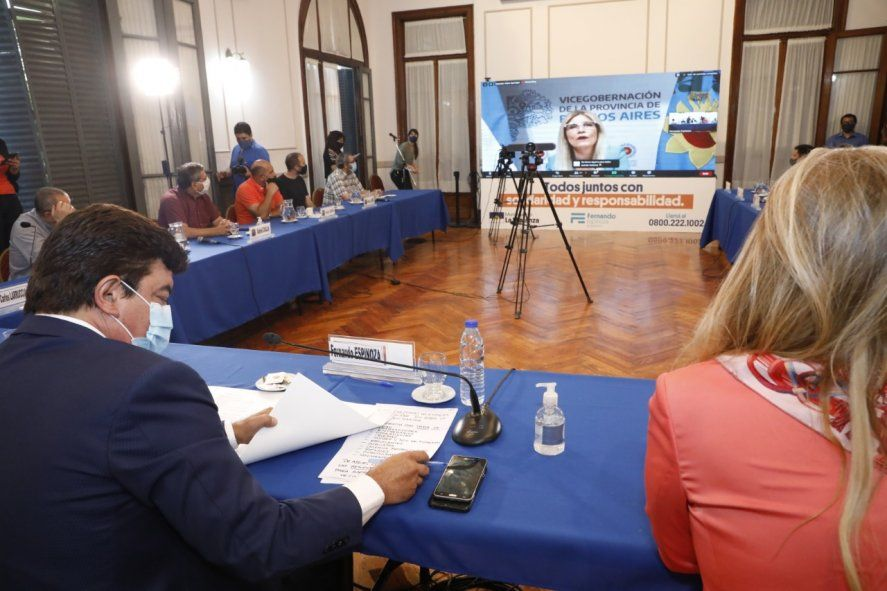 La vicegobernadora Verónica Magario participó junto a Espinoza de la jornada.