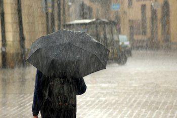 Hay alerta meteorológico por tormentas fuertes y vientos con ráfagas
