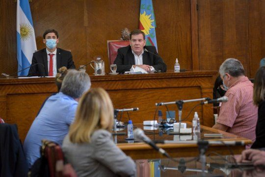 El intendente de Mar del Plata, Guillermo Montenegro, desató su furia contra los funcionarios que responden al senador Fiorini.