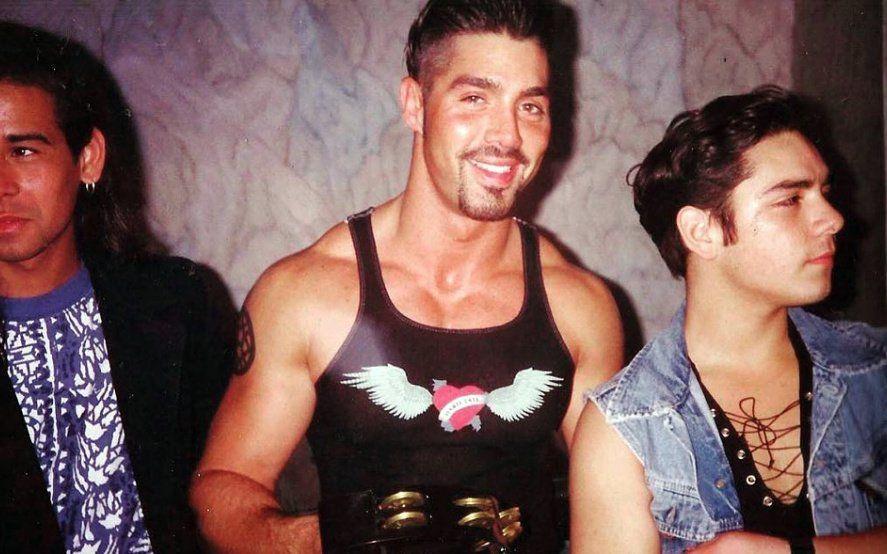 En agosto, Ricardo Fort también fue tendencia en Twitter por una serie de fotos de 1993 (@arg_beauty)