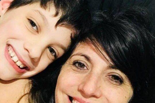 cannabis medicinal: conoce la conmovedora historia de una mama que cultiva para que su hijo viva mejor