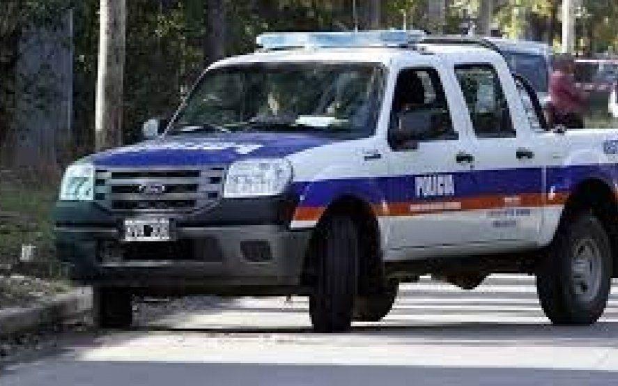 Un policía quiso recuperar su auto robado y hubo un tiroteo