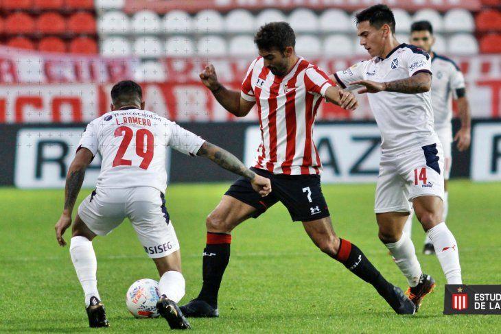 Martín Cauteruccio delantero de Estudiantes en el partido ante Independiente (Prensa EDLP)