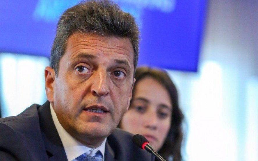 Traje de candidato: Massa sobre reforma laboral, extranjeros, FMI, jueces y Venezuela