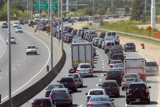 autopista la plata-buenos aires: por obras en la bajada de city bell cierran hoy y manana un tramo de la autovia