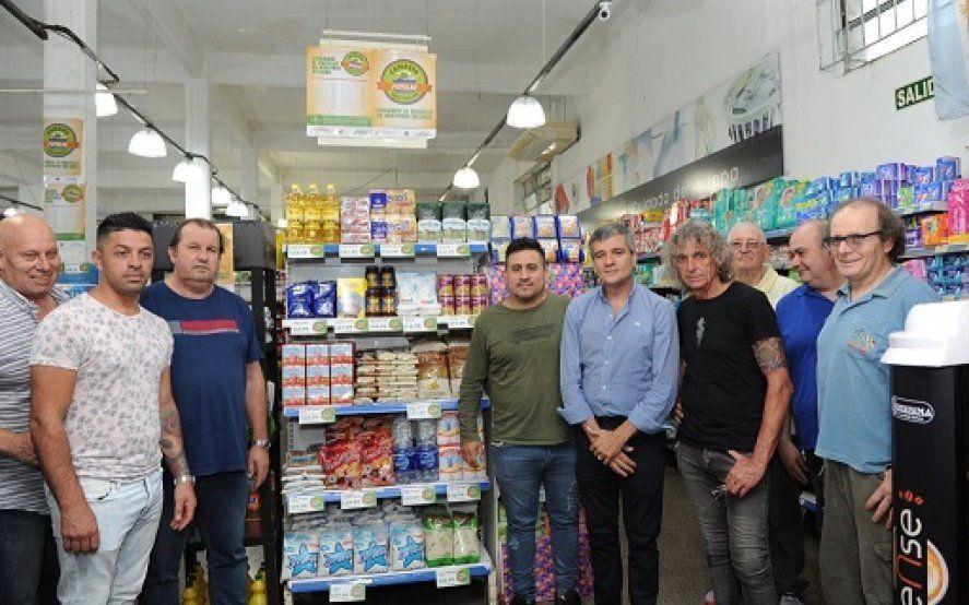 """Hurlingham: Zabaleta relanzó la """"Canasta popular"""" con más productos y más rebajas"""