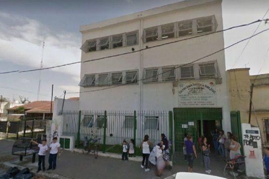 un ex alumno ataco e hirio a un estudiante de 15 anos a metros de un colegio