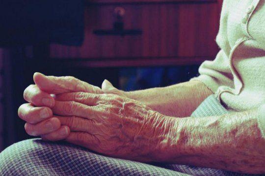 Una jubilada de 86 años entregó 1.300 dólares luego de un engaño