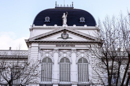 la suprema corte bonarense extendio el asueto hasta el 26 de abril y continuara con guardias minimas