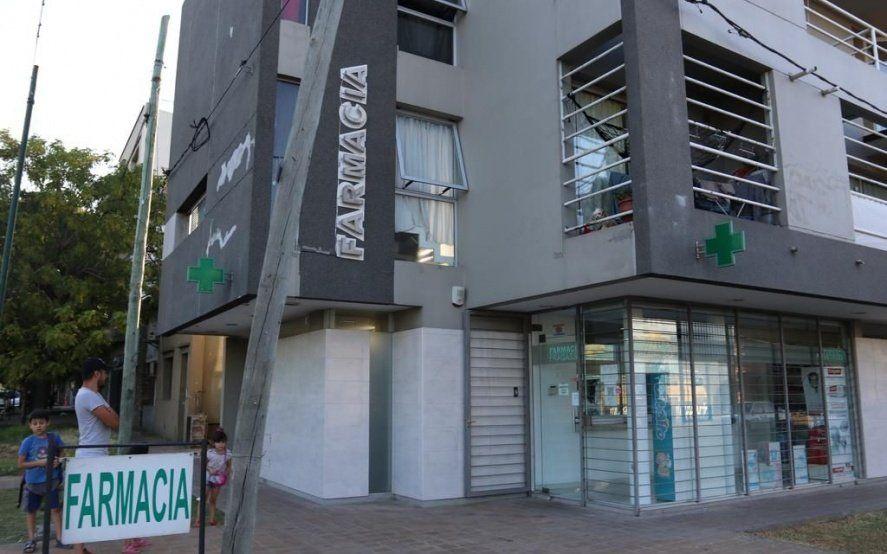 La Plata: golpean, amenazan de muerte y encierran en el baño a un farmacéutico en un robo