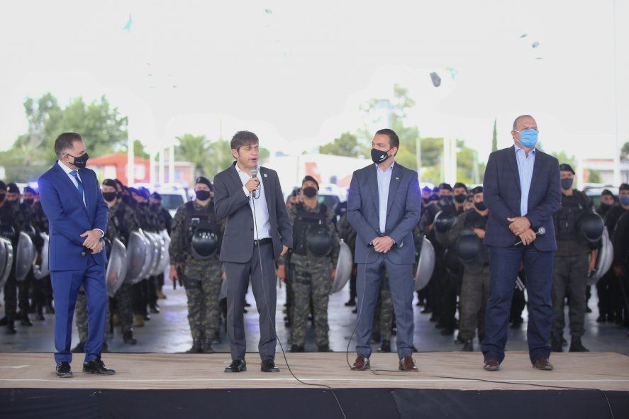 Kicillof entregó patrulleros en Florencio Varela junto al Ministro de Seguridad
