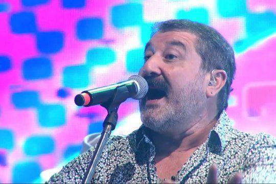 Carlos Escobar, siempre ligado a la música y al humor e integrante del recordado Trío Laurel y ahora en Tupá, falleció ayer por coronavirus