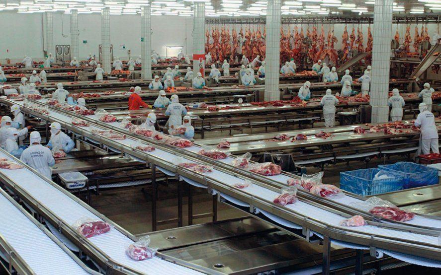 Trabajadores de la carne cerraron paritaria con 28% de aumento hasta marzo de 2020
