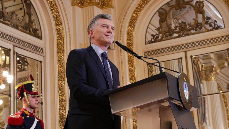 Macri ofrecería la vicepresidencia al radicalismo para evitar fugas hacia el armado de Lavagna