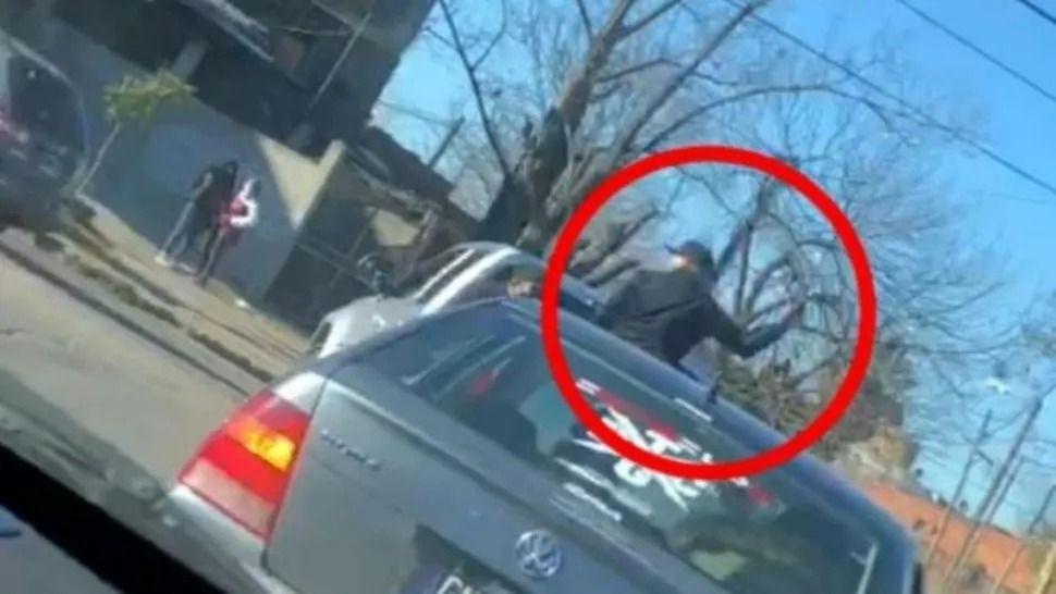 El violento cortejo fue en la avenida Crovara, en San Justo