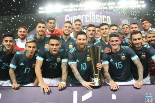 con la vuelta con gol de messi argentina vencio a brasil en el clasico
