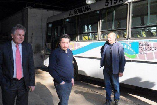 El intendente de Bahía Blanca, Héctor Gay, formó parte del reclamo por los subsidios lal transporte