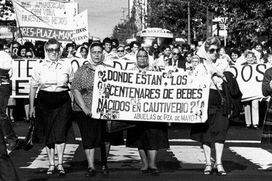 42 anos de pie: enterate por que hoy se conmemora el dia nacional del derecho a la identidad