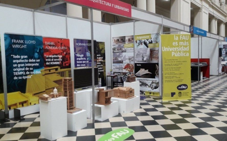 """¿Qué estudio? Con charlas y stands interactivos, comenzó la """"Expo Universidad 2019"""" en La Plata"""