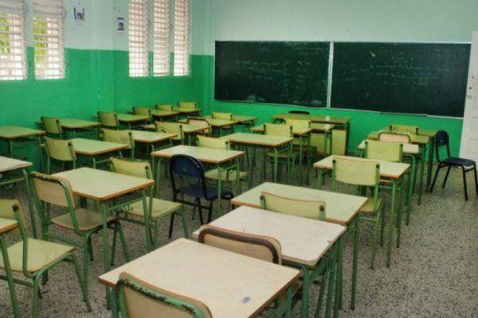 con lo que pago vidal por intereses de deuda, se podrian haber construido 4 mil escuelas
