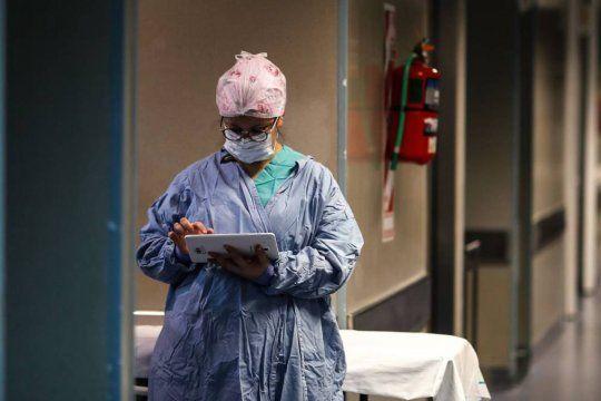 Coronavirus: otra vez más de 10 mil contagios y 209 muertes