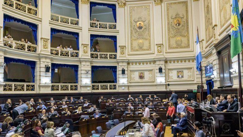 Frenan rebajas propuestas por Vidal a las tarifas de luz y agua en la Legislatura bonaerense