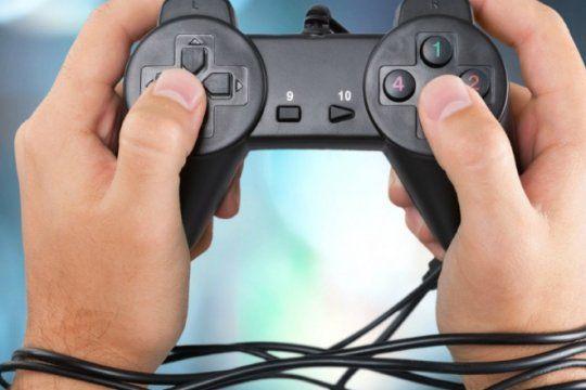 el 37% de los usuarios de videojuegos pasa entre 4 y 6 horas por dia frente a la pantalla