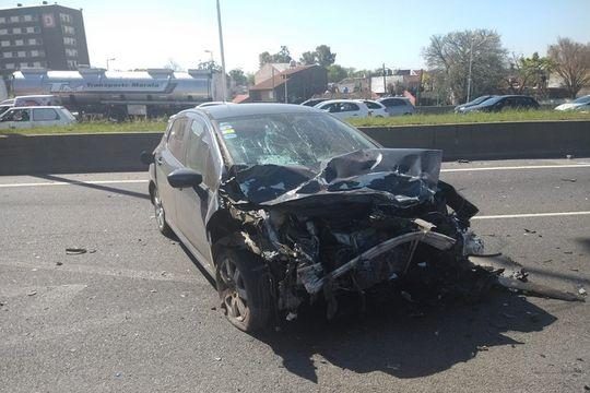 accidente fatal en moron: murio una familia en la autopista