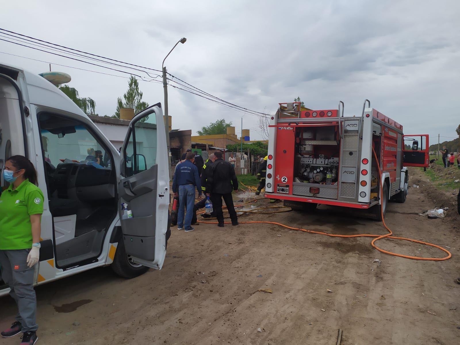 El voraz incendio fue en la calle Sáenz Peña al 700 en Bahía Blanca