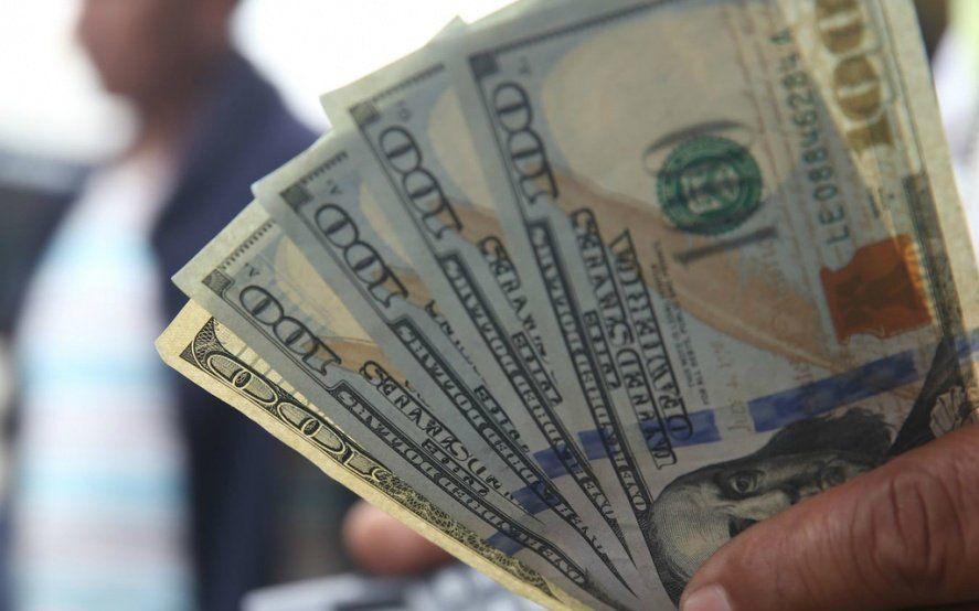 """Los pronósticos para el dólar y la inflación, los únicos que no activaron el """"modo electoral"""""""