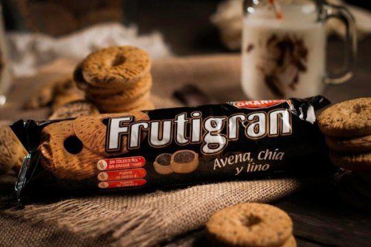 la anmat prohibio la venta de varios lotes de una reconocida marca de galletitas