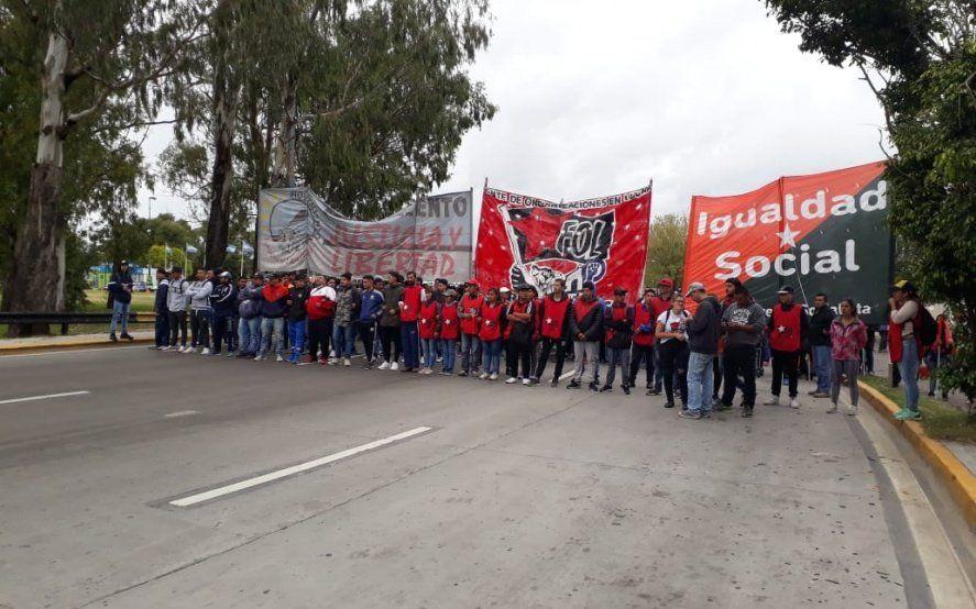 Piquete en la ciudad: cooperativistas cortaron la autopista Buenos Aires – La Plata