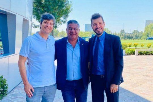 chiqui tapia logro la foto imposible: el presidente de afa junto a mario pergolini y marcelo tinelli