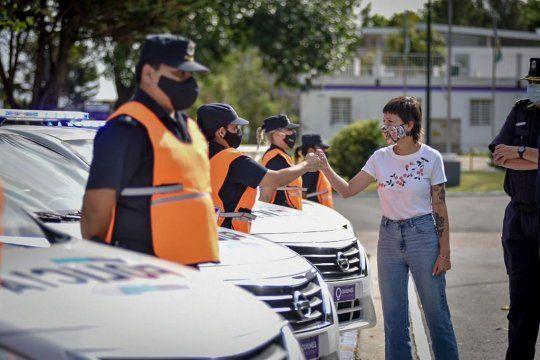 La intendenta de Quilmes, Mayra Mendoza, entregó de 10 nuevos patrulleros