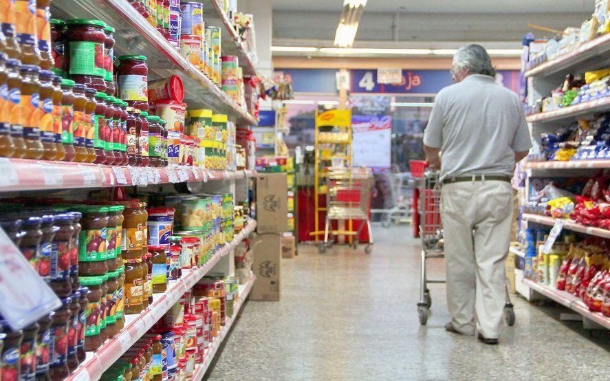Preocupante retroceso del consumo: aseguran que acumula una caída de más del 10% en lo que va del año