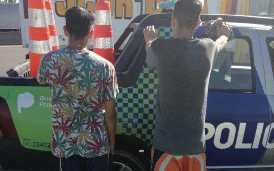 """Demoraron a dos menores """"tirapiedras"""" en la Autopista Buenos Aires – La Plata"""